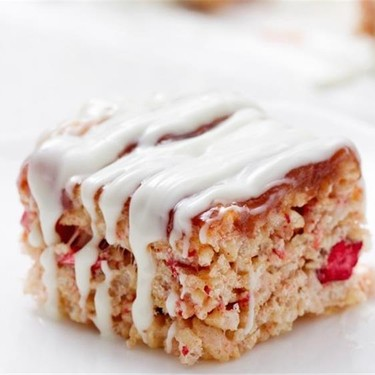 Strawberries and Cream Rice Krispie Treats Recipe | SideChef