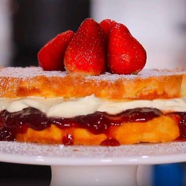 Victoria Sandwich Cake Recipe | SideChef