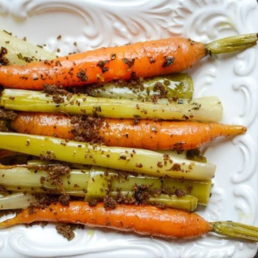 Braised Leeks and Carrots with Toasted Crumble Recipe | SideChef