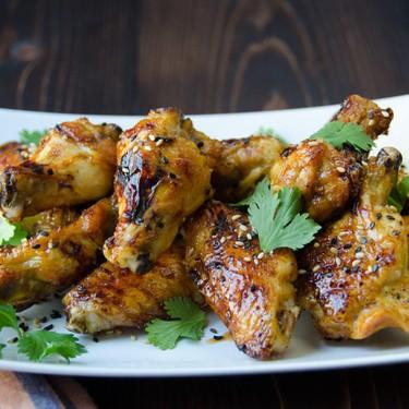 Honey Sriracha Lime Wings Recipe | SideChef