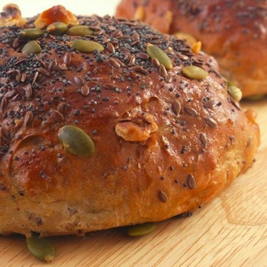 Mixed Seeds & Nuts Sultana Bread Roll Recipe | SideChef