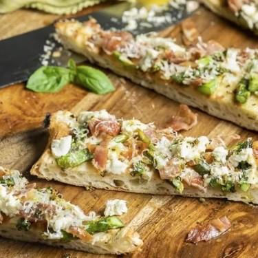 Grilled Prosciutto and Asparagus Flatbread Recipe | SideChef