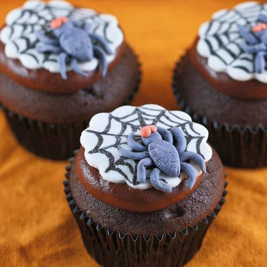 Spooky Spider Web Halloween Cupcakes Recipe | SideChef