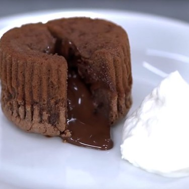 Easy Chocolate Lava Cake Recipe | SideChef