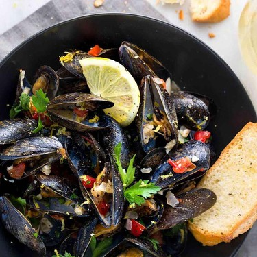 Steamed Mussels with White Wine and Garlic Recipe   SideChef