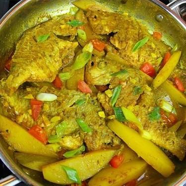 Caribbean Curry Fish with Green Mango Recipe | SideChef