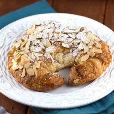 Almond Croissant Recipe | SideChef