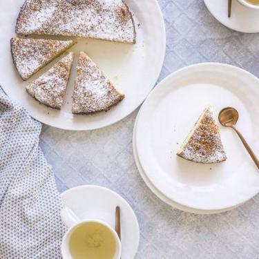 Simple Paleo Almond Cake Recipe | SideChef