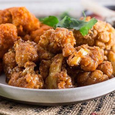 Buffalo Cauliflower Wings with Vegan Ranch Dip Recipe | SideChef