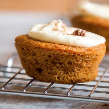 Pumpkin Spice Cupcake with Orange Blossom Frosting Recipe | SideChef