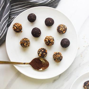 Quinoa Hazelnut Chocolate Bliss Balls Recipe | SideChef
