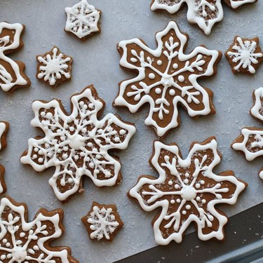Gingerbread Snowflakes Recipe | SideChef