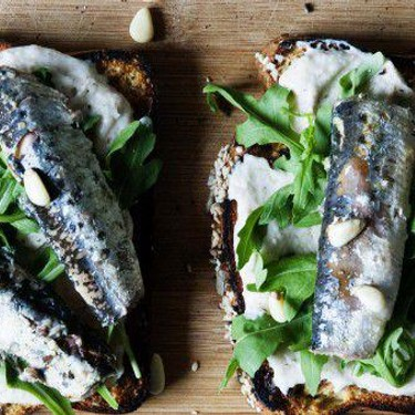 Toast with Canned Sardines and White Bean Puree' Recipe | SideChef