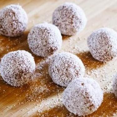 Chocolate Protein Energy Balls Recipe | SideChef