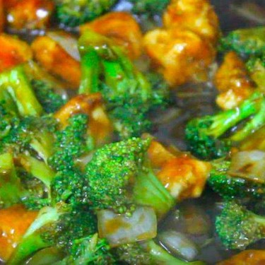 Chicken and Broccoli Stir Fry Recipe | SideChef