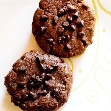 Flourless Peanut Butter Chocolate Cookies Recipe | SideChef