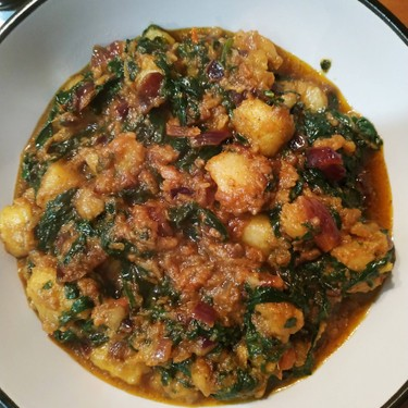 Aloo Palak ki Sabji (Potatoes in Spinach Gravy) Recipe | SideChef